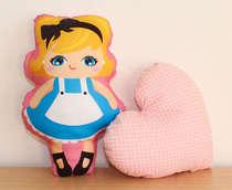 Almofada Infantil Bebê Menina Princesa e Coração Rosa